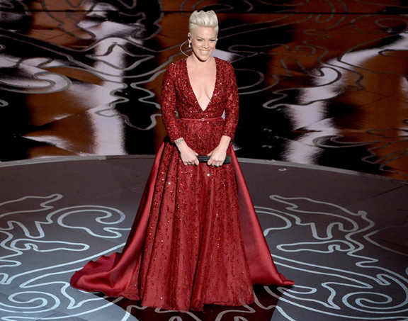 pink-oscars-2014-performance-covergirl