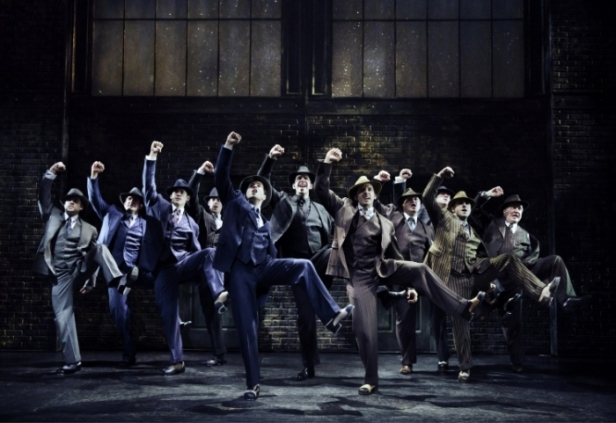 bullets-over-broadway-the-musical-tapdancing-gangsters-aint-nobodys-biz-ness-if-i-do