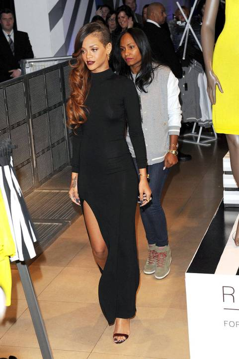 elle-18-2013-march-04-river-island-launch-rihannas-best-outfits-v-xln