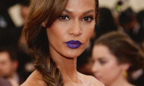 joan-smalls-met-gala-purple-lipstick1