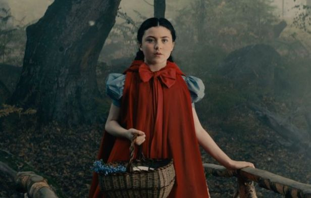 into-the-woods-movie-screenshot-lilla-crawford-red-riding-hood-5